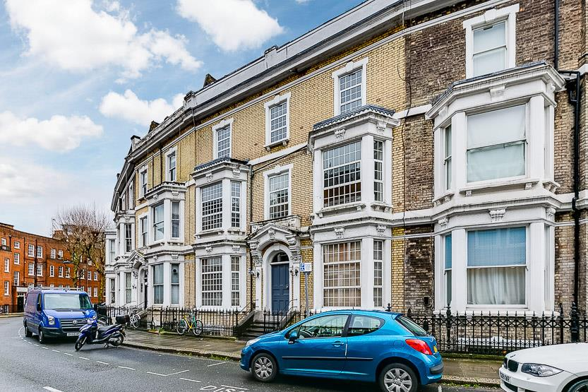3 Bedrooms Flat for sale in Beaumont Crescent, West Kensington, London, W14